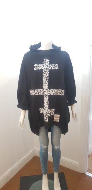 Diverse – Sloppy Joe Hooded Batik Motif Sweatshirt – Black