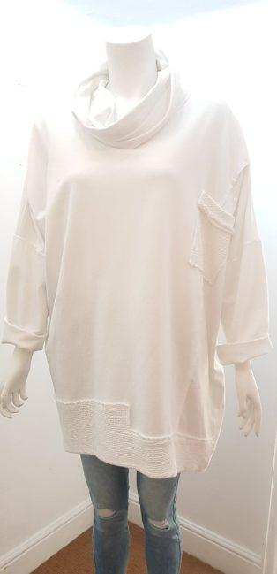 Diverse – Cowl Neck One Size Sweatshirt – White