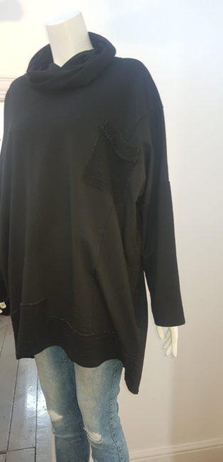 Diverse – Cowl Neck One Size Sweatshirt – Black