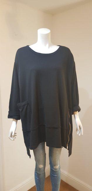 Diverse Oversized Sweatshirt & Scarf – Black