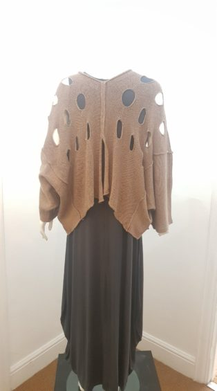 Cover-Up – Poncho Style Loose Knit – Cognac