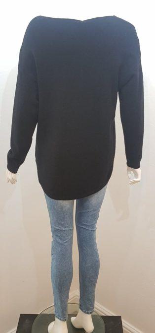 Diverse – Embossed Star Knitted Jumper – Black