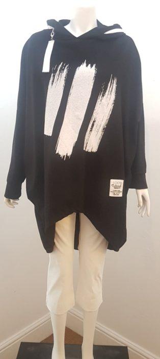Studio – Oversized Hooded Sweatshirt – Black & White