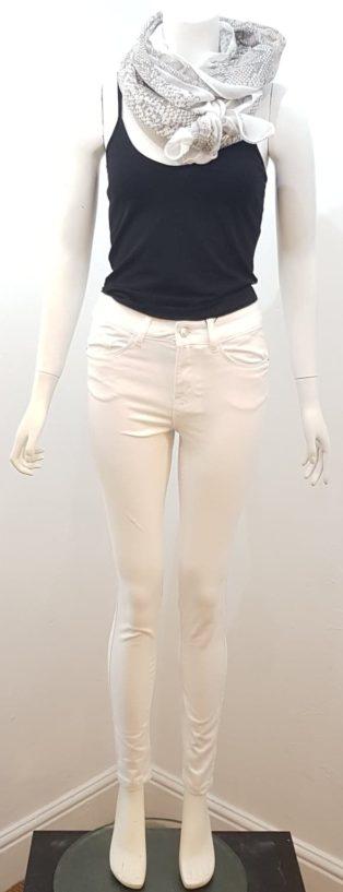 Vero Moda – Seven Shape Up Jeans – Bright White –  Leg 32″