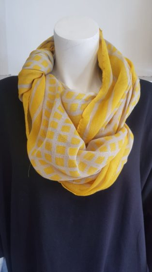 Reevo – Scarf – Mustard Squares with Grey