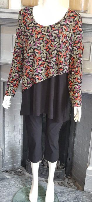 Capri – Tunic – Black with Print