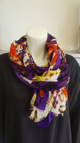 Pia Rossini – Scarf – Purple Print