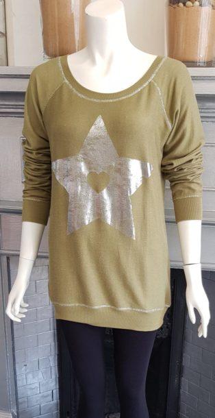 Sundae Tee – Star Sweatshirt – Khaki
