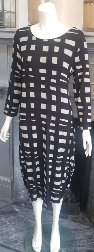 Capri – Dress – Black & Light Grey