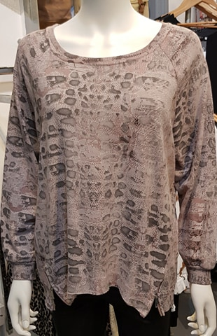 Diverse –  Dora Leopard Print Top Rose