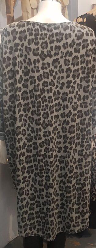Diverse – Debbie Leopard Print Dress – Grey
