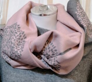 Reevo – Large Circle of Life Motif Scarf – Pink & Grey