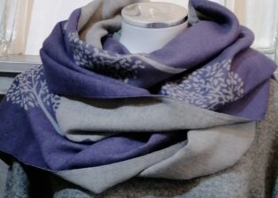 Reevo – Large Circle of Life Motif Scarf – Mauve & Grey