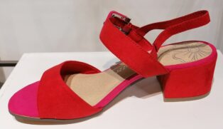 Marco Tozzi – Suede Block Sandal – Red & Pink