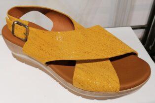 Paula Urban – Galaxia Wedge Sandal – Mustard