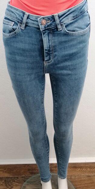 Vero Moda – Sophia High Waist Skinny Jeans – 32″Leg – Denim Blue